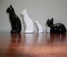 Zoophilous Ceramic Cat Urn