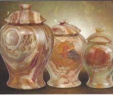 med-green-onyx-vase