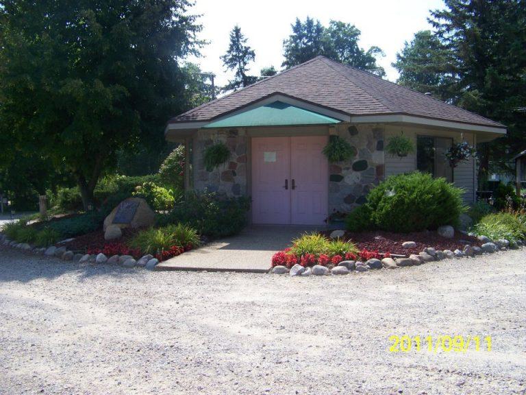 Pet Cemetery Crematory Services in Grand Rapids Michigan